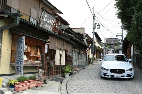 yoshino_Car_04.jpg